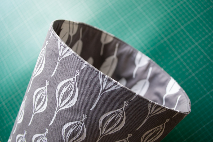 finish the square-based fabric bucket